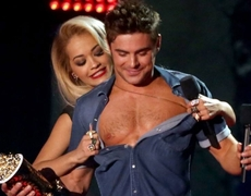 MTV Movie Awards 2014 Zac Efron Accepts The Best Shirtless Performance Award