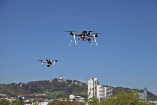 Las empresas empiezan a explotar los drones para reparto, vigilancia y mapeo