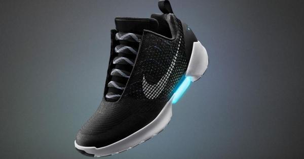 Estos son los verdaderos tenis de Nike que se amarran automáticamente
