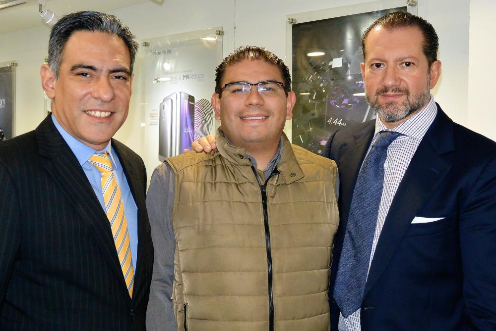 Jorge Zamora (Qualcomm), Rubén Zavaleta (M4Tel) y Javier de Antuñano (M4Tel).