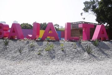 Bajalta sigue en pie en medio de un boom vertical de Tijuana