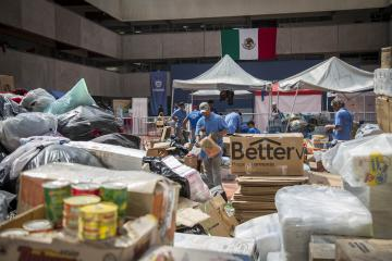 Tijuanenses Gather 40 Tons of Food for Earthquake Victims