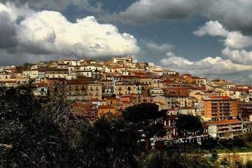 ¿Quieres vivir en Italia? Esta pequeña ciudad te paga por...