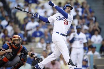 Adrián González termina su etapa en Dodgers