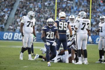 Chargers aplasta a Raiders