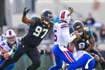 Jaguares caza a Bills en partido decepcionante