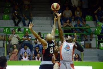 Cede Zonkeys tercer juego de la Serie Final