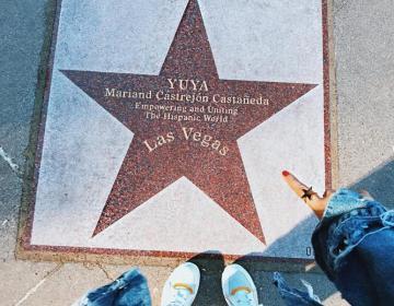 ¡ Yuya Youtuber mexicana obtiene su estrella en paseo de la fama!
