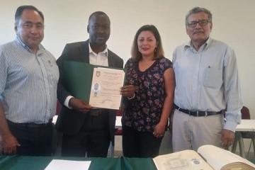 Haitiano termina maestría, va por doctorado y da clases en UABC