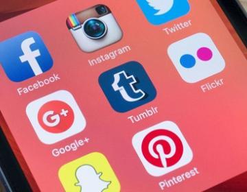 Pasar mucho tiempo en las redes sociales causa depresión