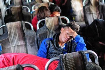 Detienen autobuses con migrantes en Sonora