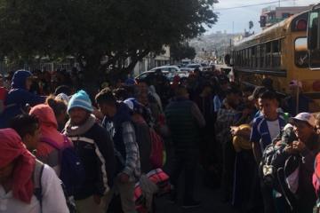 Policía de Tijuana detiene a 5 migrantes