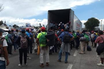 2.5 mdp cuesta a la semana atender a los migrantes en BC