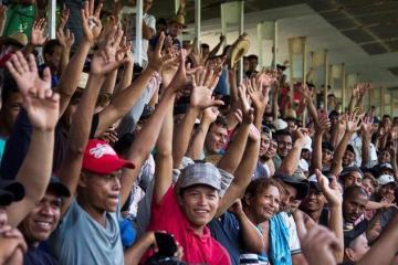 Crean red de apoyo para caravana migrante en San Diego