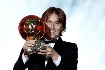 Luka Modric termina con el duopolio de Messi y Cristiano en balón...