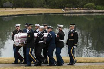 Sepultan en Texas al ex presidente de EU George H.W. Bush