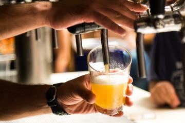 El mexicano que convirtió su gusto por la cerveza traspasando la...