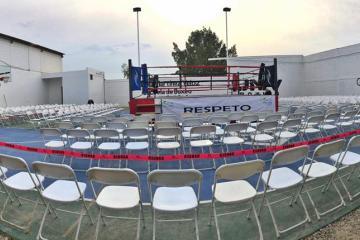Martínez Veloz ayuda a jóvenes con escuela de box