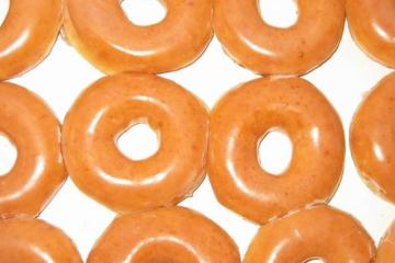 Attention San Diego! Krispy Kreme is giving free doughnuts this week
