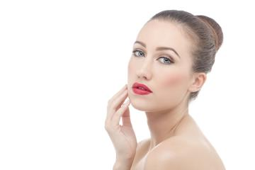Errores de belleza que están dañando tu piel