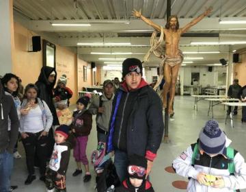 Llega a Tijuana tercera caravana migrante