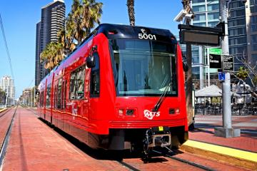 Tijuanenses podrán cruzar a San Diego en Trolley