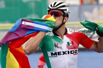 """""""Soy gay y estoy orgulloso en decirlo"""", dice medallista mexicano"""