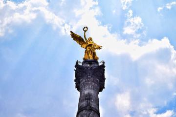 Dejan irreconocible al Ángel  de la Independencia tras protestas
