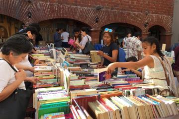 ¿Te gusta leer? Encuentra de todo en la Feria del Libro Antiguo y...