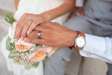 Mujer solicitó el divorcio porque su esposo es muy amable