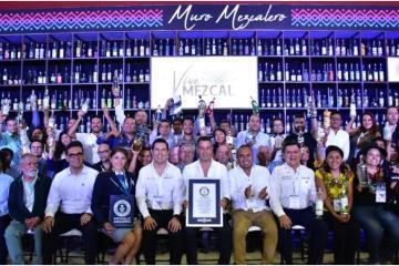 Oaxaca gana récord Guinness gracias a Muro Mezcalero