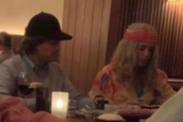 Peña Nieto y su novia  usan peluca para no ser identificados