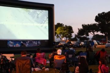 Proyectan películas gratis en parques de San Diego