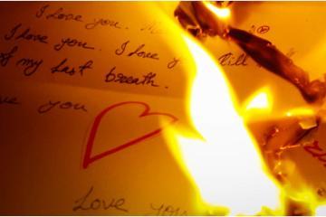 Quema cartas de su pareja y termina incendiando su casa