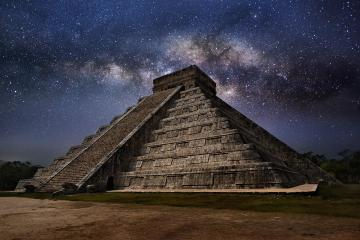 Desciende la Serpiente Lunar de Chichén Itzá