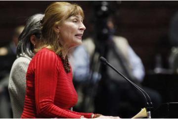 Tatiana Clouthier califica de incapaz al Congreso de Baja California