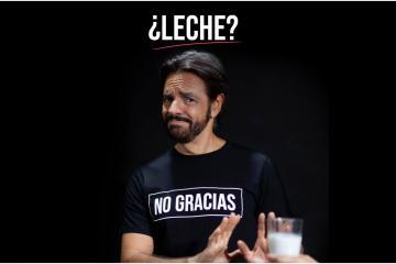 Eugenio Derbez se une a campaña para dejar de consumir leche de vaca