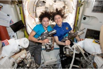 Primera caminata espacial íntegramente femenina