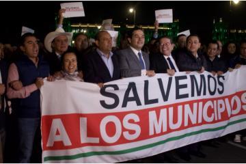 Alcaldes de todo México fueron a Palacio Nacional pero fueron...