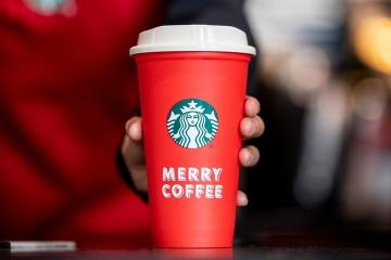 Starbucks regala vasos reusables en Tijuana