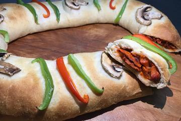 México crea una Pizza Rosca rellena de carne al pastor