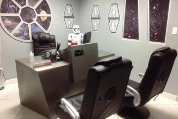 Consultorio de pediatra en Mexicali parece nave espacial de Star Wars