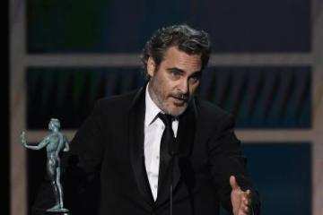 Joaquin Phoenix prefirió ir a una manifestación contra el...