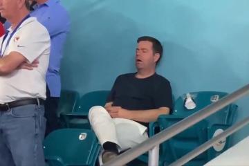 Hombre asiste al Super Bowl y se queda dormido