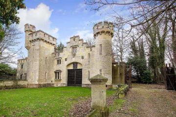 Alojate con tus amigos en un castillo de Inglaterra por 314 pesos
