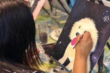 Paint your pet while sipping wine with this workshop in Tijuana
