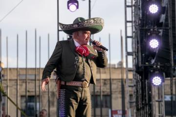 Vicente Fernández se encuentra en cuarentena, ¿prevención o...