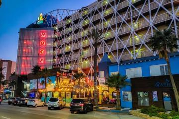Hotel Festival Plaza ofrece hospedaje gratis a personal médico...