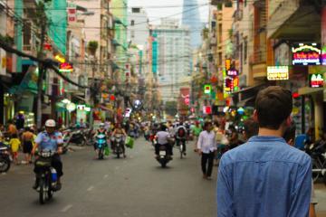 Levantan cuarentena en Wuhan después de 11 semanas