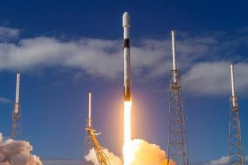 Space X y la NASA lanzan su primer mision tripulada al espacio